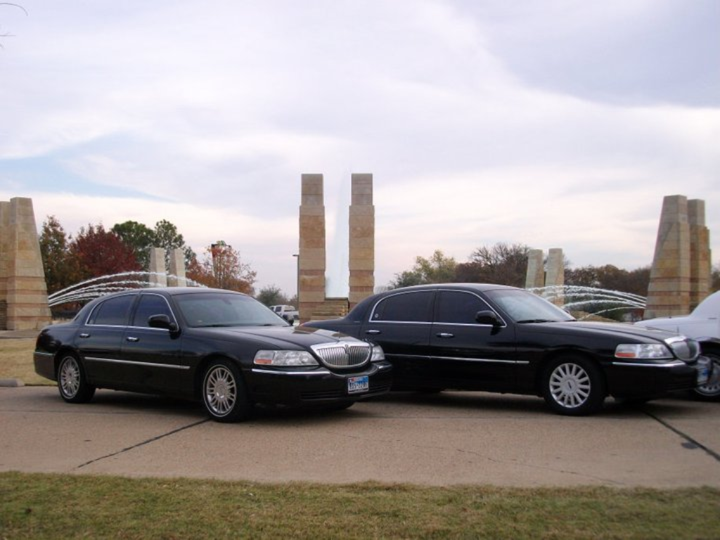 Executive Sedans from Silver Image Limo in Dallas TX